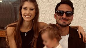 Strahlend wie nie: Cathy Hummels teilt Pic mit Mats & Ludwig