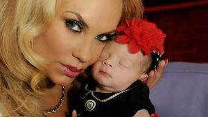 High-Heels & Tutu: Übertreibt Popo-Coco beim Baby-Styling?