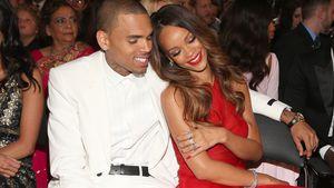 Süß! Rihanna entspannt im schicken Strampler!