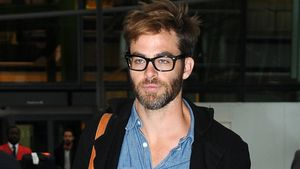 Wuscheliges Styling: Chris Pine mag's haarig!