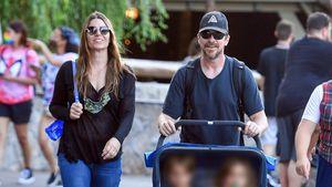 Spaß-Trip: Christian Bale mit Frau und Sohn im Disneyland