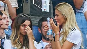 Erste Bilder nach WM-Aus: Spielerfrauen total schockiert!
