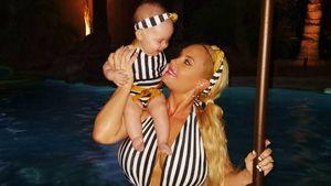 Style-Zwillinge: Coco Austin & Baby Chanel in Retro-Bikinis