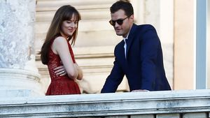 "Dakota Johnson und Jamie Dornan am Set von ""Shades of Grey"" in Paris"