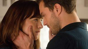 """Dakota Johnson und Jamie Dornan in """"Fifty Shades of Grey – Gefährliche Liebe"""""""