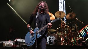 Nach Dave Grohls Beinbruch: Foo Fighters sagen Tour ab