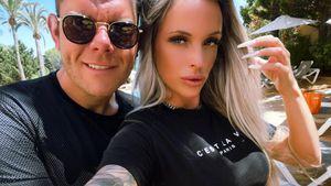 Mit SM-Ring: Dennis Schick teilt erste Turtelpics mit Jenny