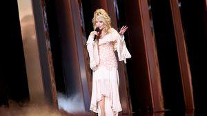 Wow-Auftritt von Dolly Parton bei CMAs: Fans sind begeistert