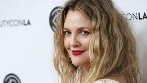 Drew Barrymore zum B-Day von Hollywood-Legenden überrascht!