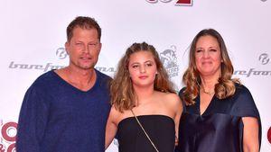 """Emma Schweiger mit ihren Eltern bei der Premiere von """"Conni & Co 2"""""""