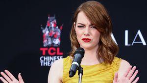 Emma Stone bei einer Rede in Hollywood 2016