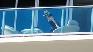 Unter engem Dress! Paparazzi knipsen Eva Longorias Babykugel