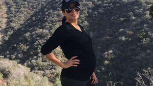 Ruhige Kugel: Eva Longoria wandert so schön mit Babybauch!