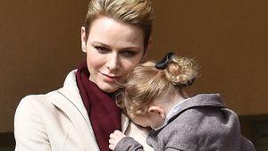 Fürstin Charlène von Monaco mit ihrer Tochter Prinzessin Gabriella von Monaco