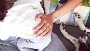 Ganz verliebt: Hadnet Tesfai kuschelt mit ihrem Baby