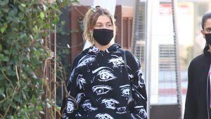 Hailey Bieber zieht mit Billie-Eilish-Jogger Blicke auf sich