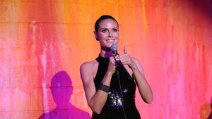"""Standing Ovations für Heidi Klum: Sie sang """"Santa Baby"""""""