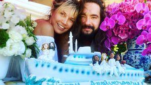 Romantisch im Freien: Heidi & Tom feiern ersten Hochzeitstag