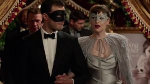 "Jamie Dornan und Dakota Johnson in einer ""Fifty Shades Darker""-Szene"