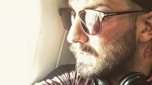 Jan Leyk in einem Flugzeug