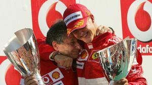 """Ex-Teamchef: Michael Schumacher """"gibt nicht auf und kämpft"""""""