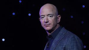 """""""Bin in Tränen ausgebrochen"""": Jeff Bezos über Reise ins All"""