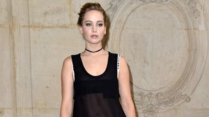 Warum so mies gelaunt? Jennifer Lawrence sexy bei Dior-Show