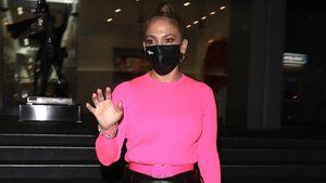 Knallige Farben: So stylish geht J.Lo auf ihr Date mit Alex