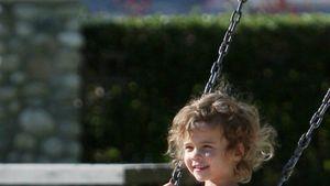 Jessica Albas Tochter macht Spielplatz unsicher
