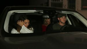 Jessica Serfaty und Niall Horan in einem Auto in West Hollywood