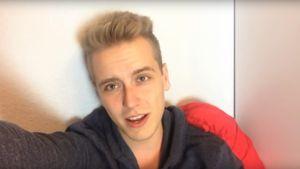 Julian Claßen in seinem ersten YouTube-Video 2014