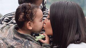 Bussi fürs Baby: So süß knutscht Kim Kardashian Chicago ab!