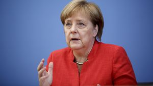 Megarührend! Neuer Bundespräsident Steinmeier dankt Ehefrau