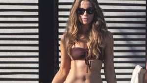 Nach Midlife-Crisis-Gate: Kate Beckinsale (46) sexy am Pool