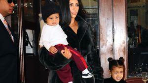 Kim Kardashian mit ihren Kindern Saint und North