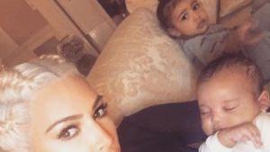 Kim Kardashian mit North und Saint Anfang 2016