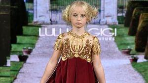 Premiere: Beinamputiertes Mädchen erobert die Fashion Week