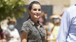Schnäppchen! Königin Letizia begeistert mit Zebra-Jumpsuit