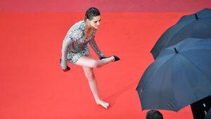 Rebellisch: Kristen Stewart provoziert barfuß auf Red Carpet
