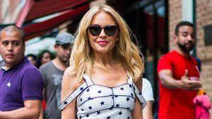 Umwerfend mit 50! Kylie Minogue überzeugt im Sommerdress