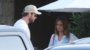 So verliebt: Liam Hemsworth und Freundin turteln im Meer