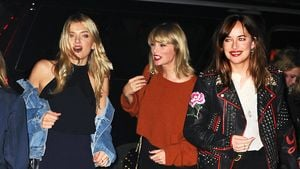 Lily Donaldson, Taylor Swift und Dakota Johnson in NYC