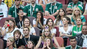 In Moskau: So litten die Spielerfrauen um Cathy Hummels mit!
