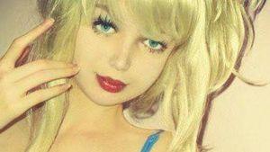 Neue Puppenfrau: Lolita Richi als Teenie-Barbie
