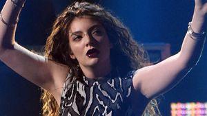 Hit-Garantin Lorde fischt Klamotten aus dem Müll