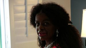 In Kenia getauft: Busenwunder Martina Big heißt nun Malaika!
