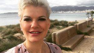 Melanie Müller am Strand auf Mallorca