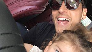 Mesut Özil mit seiner Nichte Mira