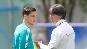Özil-Rücktritt: Jogi Löw erfuhr erst aus dem Internet davon