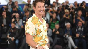 "Auf Hawaii: ""Top Gun""-Star Miles Teller hat geheiratet!"